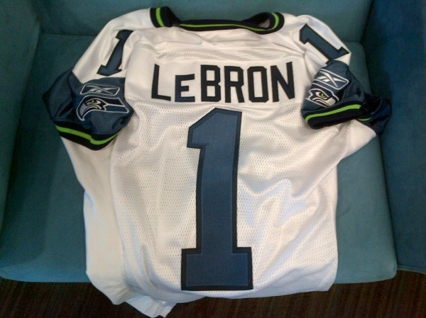 Lebron James To Play For The Seattle Seahawks???