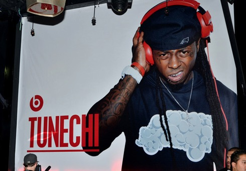 Lil Wayne Introduces His Beats By Dre Headphones & Performs (Video)