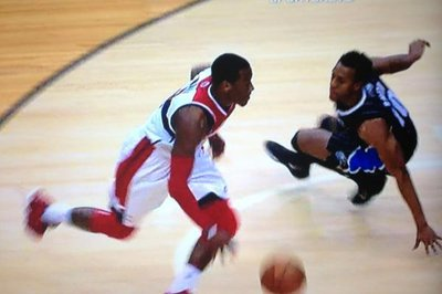 John Wall Makes Ish Smith Fall via an Ankle Breaking Crossover (Video)