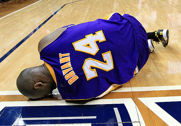 atlanta-hawks-stun-los-angeles-lakers-9692-kobe-bryant-indefinitely-ankle-injury-video.jpeg
