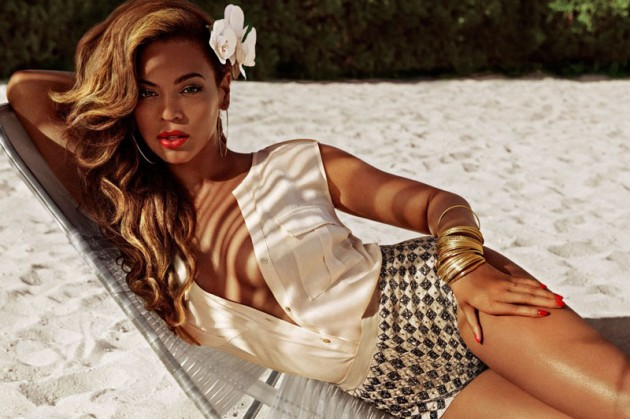 beyonce-shows-us-her-curves-in-hms-summer-ad-campaign-HHS1987-2013-3