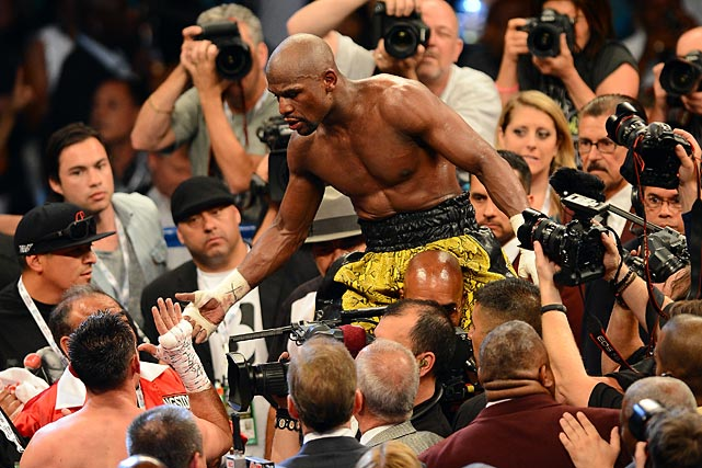 floyd-money-mayweather-jr-defeats-robert-guerrero-remain-undefeated.jpeg