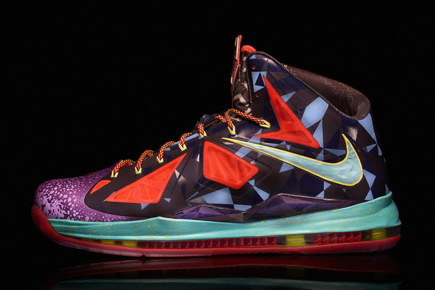 nike-celebrates-lebron-jamess-fourth-mvp-award-with-lebron-x-mvp-witness-history-campaign-01 Nike Lebron X (MVP) (Images)
