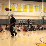 Stephen Curry & Dell Curry Square Off In A Game Of P-I-G (Video)