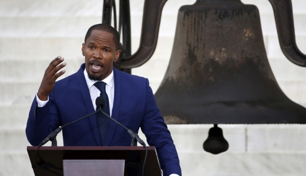 jamiefoxxHHS1987 Jamie Foxx Sets His Sights On Oliver Stone Directed Martin Luther King, Jr. Biopic