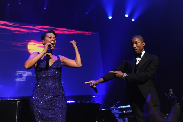 alicia williams blackball Alicia Keys & Pharrell   Get Lucky (Live At Black Ball) (Video)