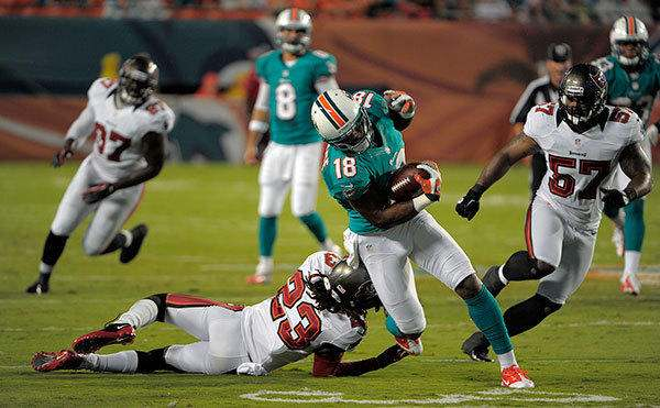 sfl-dolphins-tampa-photos-20120810-022 MNF: Miami Dolphins vs. Tampa Bay Buccaneers (Predictions)