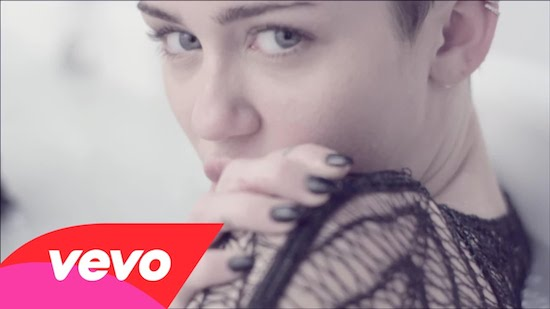 Miley Cyrus – Adore You (Video)