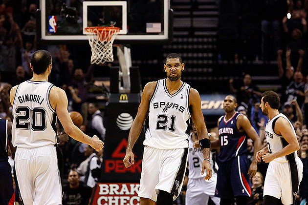 The-Big-Fundamental-puts-some-stank-on-it.-Soobum-Im-USA-TODAY-Sports Tim Duncan's Heroics Push The Spurs Pass The Atlanta Hawks (102-100)