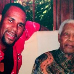 "R. Kelly Honors Nelson Mandela with ""Soldier's Heat"" on Arsenio Hall Show (Video)"