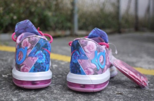 nike-kd-6-supreme-aunt-pearl-photos3.jpeg