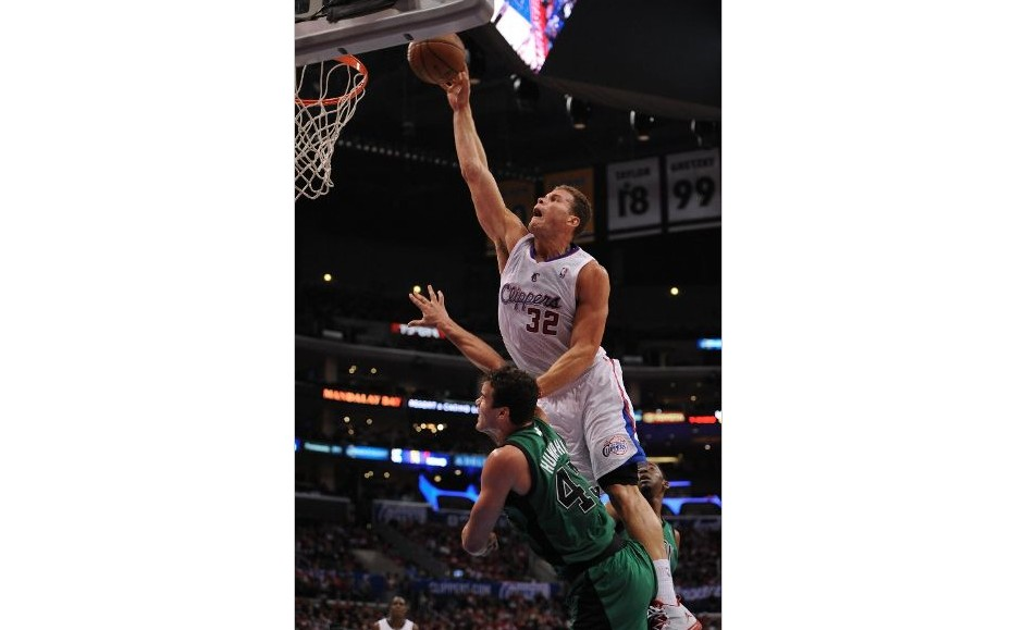 Blake Griffin Posterizes Kris Humphries (Video)