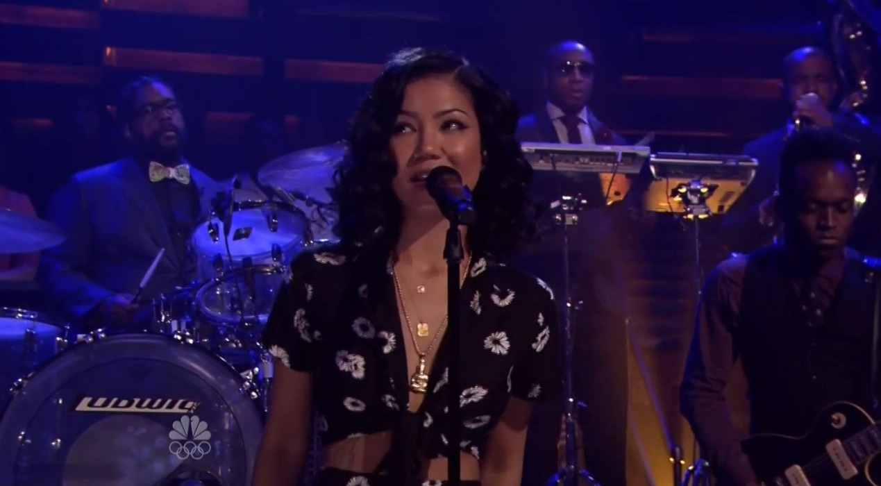 jhene-aiko-performs-the-worst-live-jimmy-fallon-video-HHS1987-2014