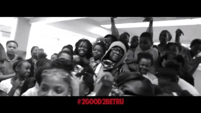 2-chainz-1 2 Chainz Surprises Elementary Students In Chicago (Video)