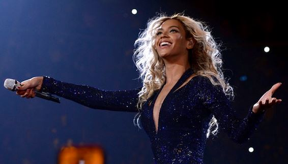 britawardsbeyonce Watch Beyoncé Perform XO At 2014 BRIT Awards (Video)