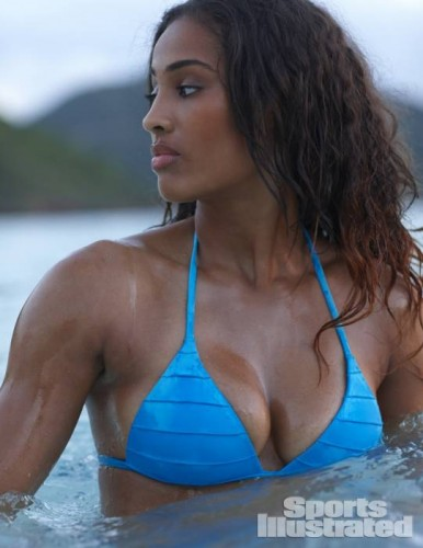 s9 386x500 Heavenly Sky: Skylar Diggins Graces Sports Illustrated Swimsuit Issue (Photos)