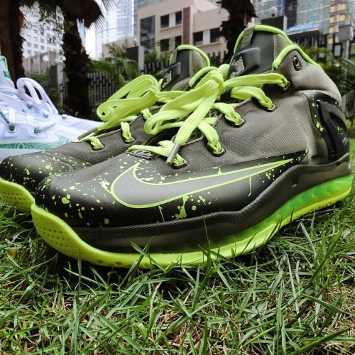 nike-lebron-11-low-duckman-photo-release-info.jpg