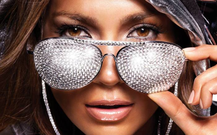 Jennifer-Lopez-Is-a-Bad-Girl