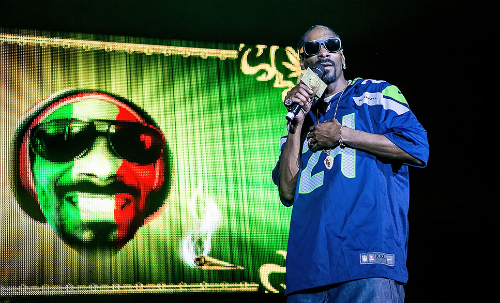 Snoop_Dogg_Friends_Wellness_Retreat Snoop Dogg & Friends - Wellness Retreat (Video)
