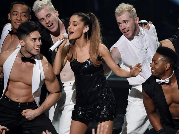 BmmJxMBCIAE_mqj Ariana Grande – The Way / Problem (Live At 2014 iHeartRadio Music Awards) (Video)