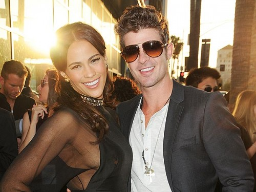 Robin Thicke Debuts New Song For Paula Patton 500x375 Robin Thick