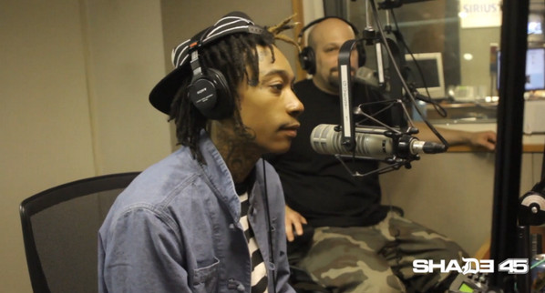 Bp51D6RCYAAUWZu-1 DJ Whoo Kid Interviews Wiz Khalifa (Video)