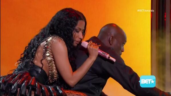 BrV5oCVCYAIJAqd Nicki Minaj - 2014 BET Awards Performance (Video)