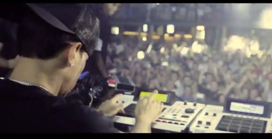 Screenshot-2014-06-27-at-4.13.03-PM-1 Araabmuzik - Summer Time Ft. Lana del Rey (Video)