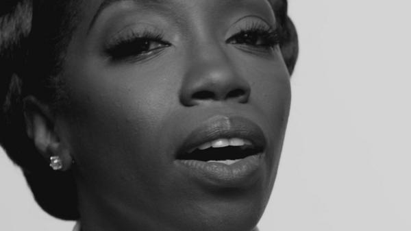 BtFgcrqCAAALNg9 Estelle – Conqueror (Video)