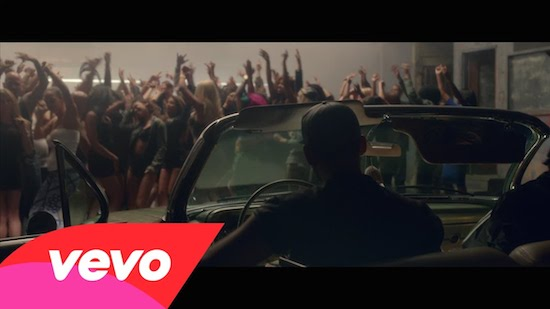I87Tkax Afrojack – Dynamite Ft. Snoop Dogg (Video)