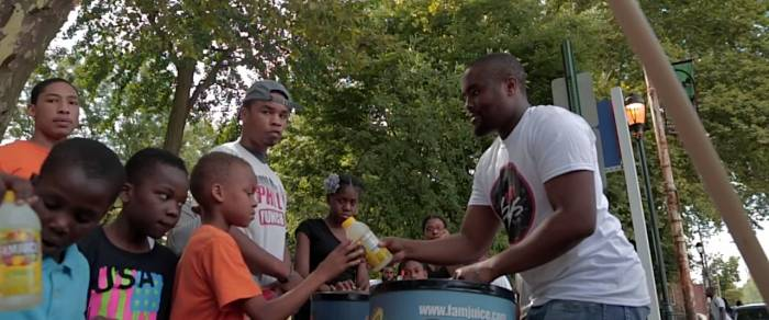 quilly-fam-juice-cleans-up-vernon-park-gives-back-to-the-community-video-HHS1987-2014