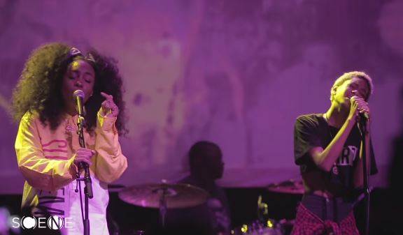 szaXwillow SZA Brings Out Willow Smith In Brooklyn To Perform Her New Single Domino (Video)