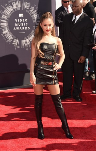 2014-mtv-vmas-red-carpet-1