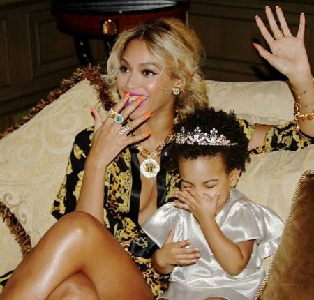 Beyonce_Pens_Poem_To_Blue_Ivy
