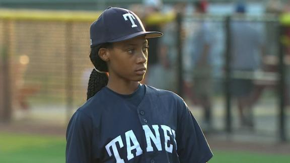 dm 140810 llws highlight Phillys Own Mo Ne Davis Shines In Her Little League World Series Debut Beating Nashville (4 0)
