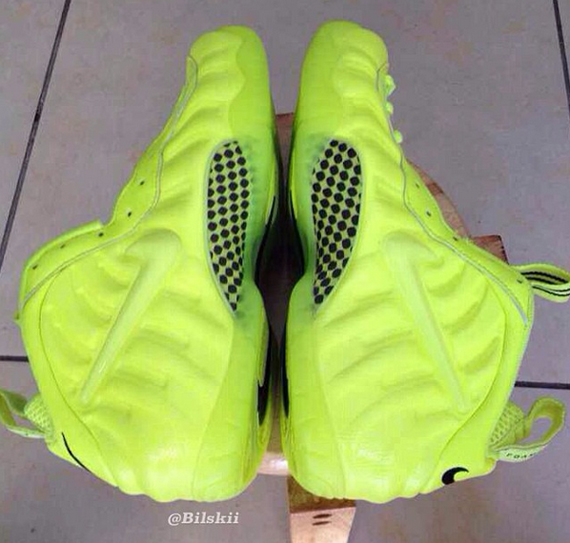 nike-air-foamposite-pro-volt-photos2.jpg