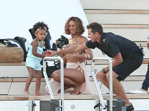Beyonce_Blue_Italy_