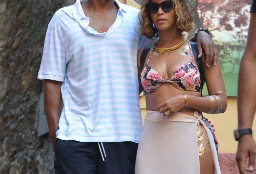 Beyonce & Jay Z Head To Italy For Her Birthday (Photos)