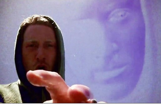 Asher Roth – Pull It (Video)