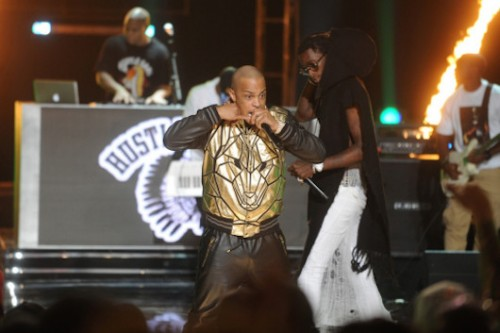 q7MUp5S-1-500x333 T.I. & Young Thug – About The Money (Live At 2014 BET Hip Hop Awards) (Video)