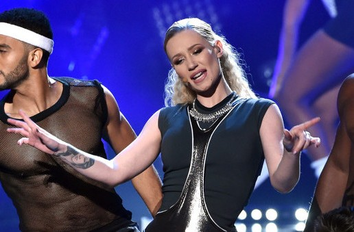 Iggy Azalea – Fancy / Beg For It (Live At 2014 American Music Awards) (Video)