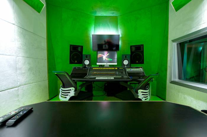 StudioB_edited The Street Execs Are Shaking Up Atlanta's Music Scene With Street Execs Studios