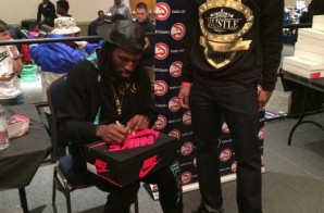Atlanta Hawks Forward DeMarre Carroll Supports 'Sneaker Addicts' at ATL's Sneaker Exit Convention