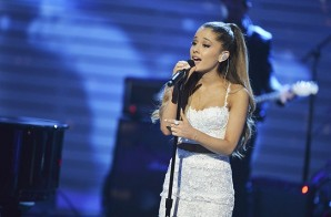 "Ariana Grande & David Foster Cover Whitney Houston's ""I Have Nothing"" (Video)"
