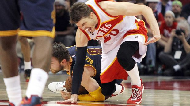 kyle-korver-out-for-three-months-following-ankle-surgery.jpg