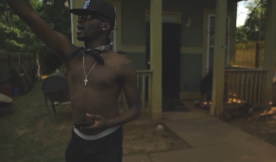 CGL5eB_UIAAUHcH-1 Bankroll Fresh - Behind The Fence (Video)