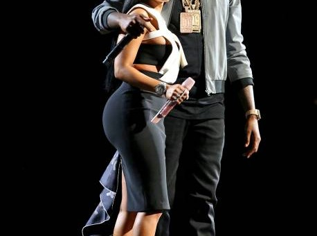"Meek Mill Performs ""All Eyes On You"" With Chris Brown And Nicki Minaj At 2015 BET Awards! (Video)"