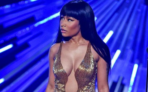 CNtF_daWwAEVdsW-500x311 Nicki Minaj Calls Out Miley Cyrus During VMA Acceptance Speech (Video)
