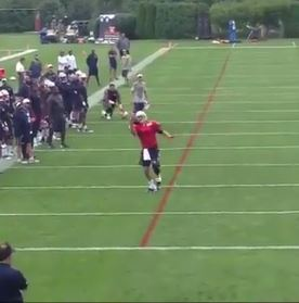 tom-brady-makes-a-nice-one-handed-touchdown-catch-during-patriots-training-camp-video.jpg