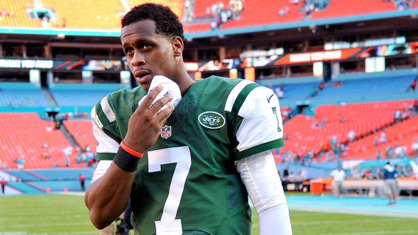 new-york-jets-qb-geno-smith-out-6-10-weeks-suffers-broken-jaw-after-being-punched-in-a-locker-room-fight.jpg